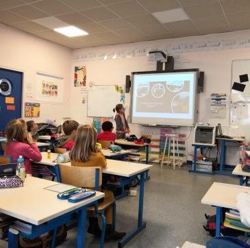 Clémentine présente le TDM à sa classe