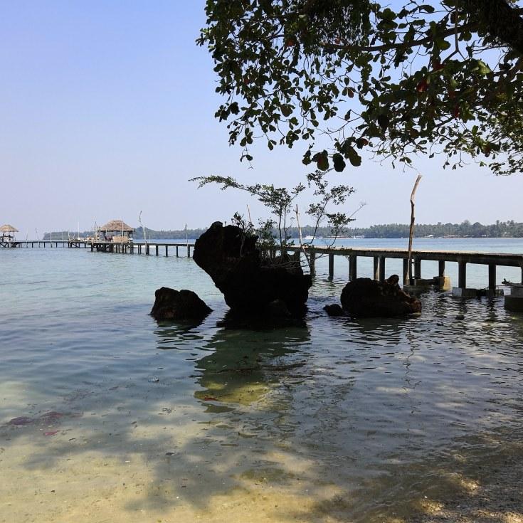 Koh Mak island Blue pearl bar